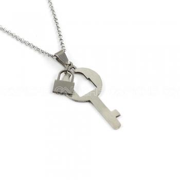 Colar em aço chave