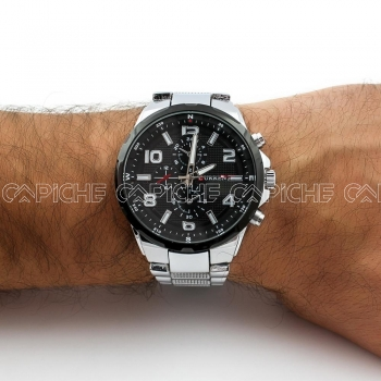 Relógio em aço Luxe