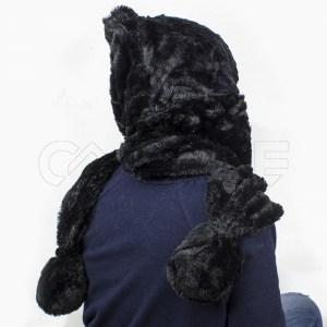 Cachecol com capuz preto