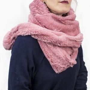 Cachecol com capuz rosa