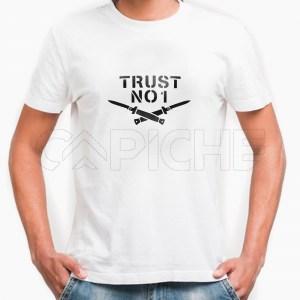 Tshirt Homem Trust No One