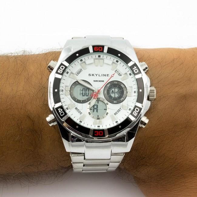Relógio em aço Vector